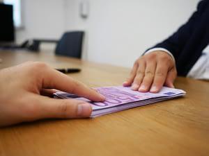 gambling online loan installments